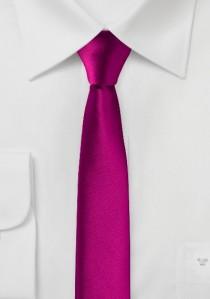 Extra schmal geformte Krawatte pink