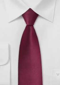 Schmale Krawatte bordeaux